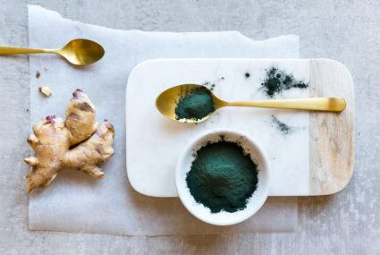 Algae face-off! The difference between chlorella and spirulina, explained