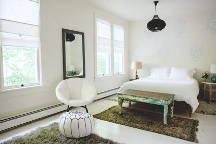 How to buy vintage decor without creating a dated look for your home