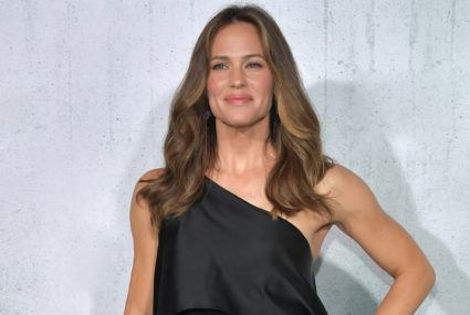 Try the Jennifer Garner workout for 'Peppermint'