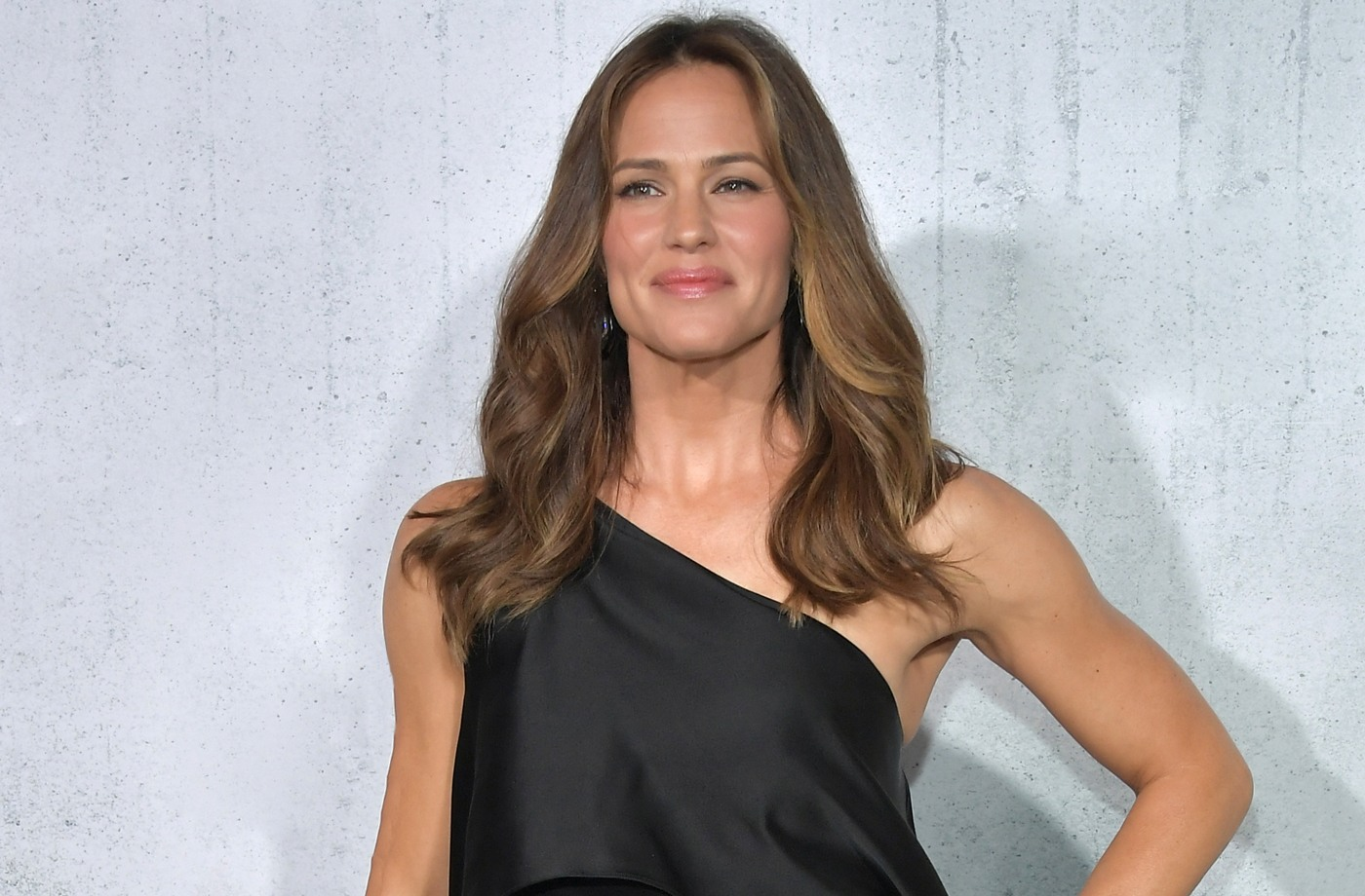 Thumbnail for This workout got Jennifer Garner in badass, butt-kicking shape for her new movie