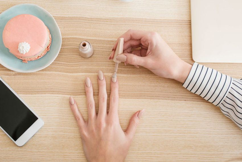 Transition From Rosé to Latte With the Crispest Mani Shade for Fall