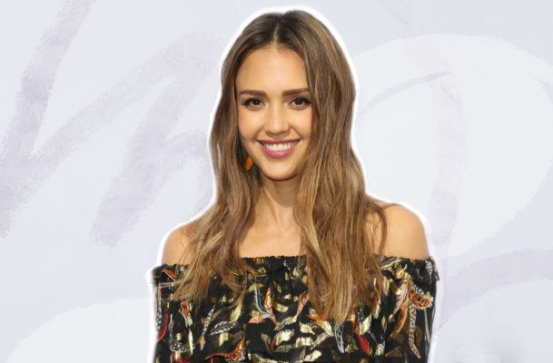 Our legs are burning just thinking about Jessica Alba's 30-minute treadmill routine