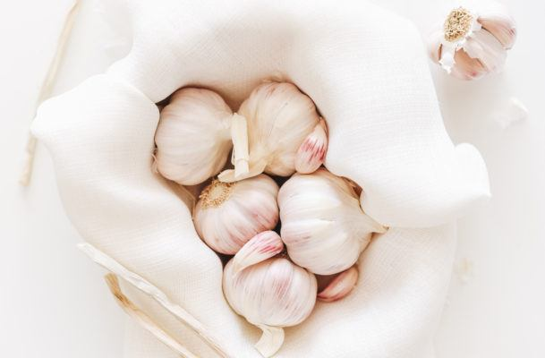 How to reap the benefits of raw garlic without crying about it