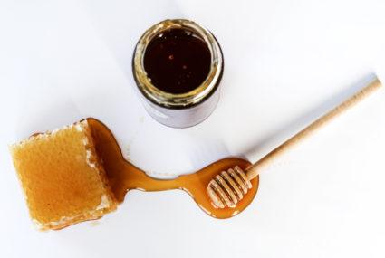 If you hate honey, you'll love this funny takedown of the superfood