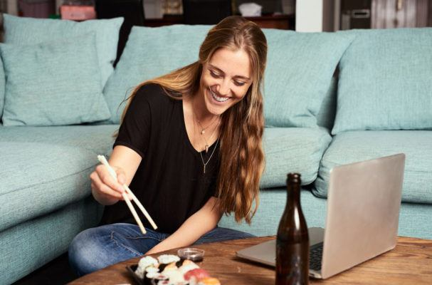 4 tips for keeping your sushi dinner healthy
