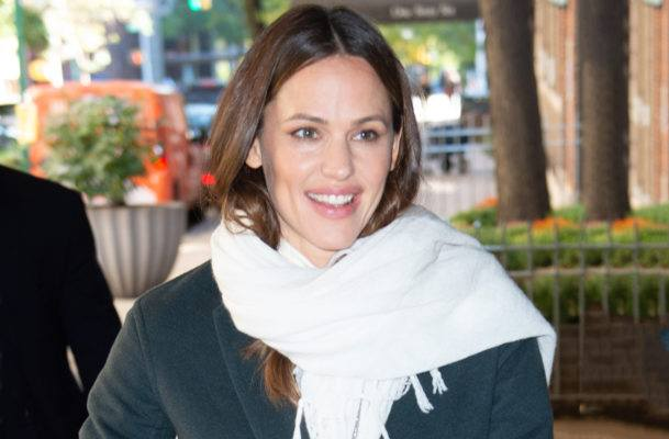 How to make a salad that's satisfying every single day, according to Jennifer Garner