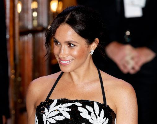 I saw Meghan Markle wearing body shimmer, so now I'm buying body shimmer