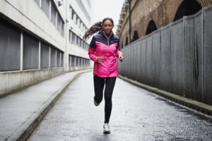 Bundle up, Runners: A Peloton Coach Says You Should Log Miles Outside *At Least* Once a Week