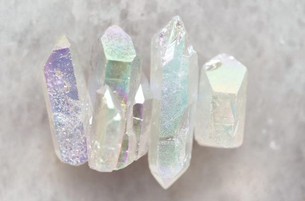 8 ways to use healing stones to spark major changes in life