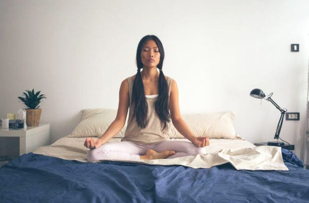 A sleep therapist's 5-step, ZZZ-inducing meditation to put restless nights to bed