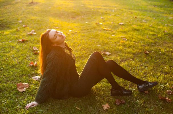 4 benefits of sunlight that will make you want to go take a walk right now