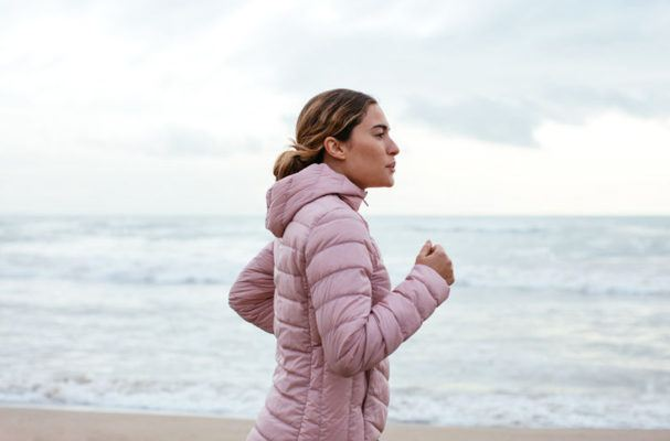 Does working out in the cold actually do something weird to your lungs—or does it just feel like it?