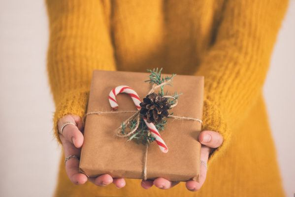 Keep, regift, or return? This flowchart will tell you what to do with those awful (but thoughtful!) presents