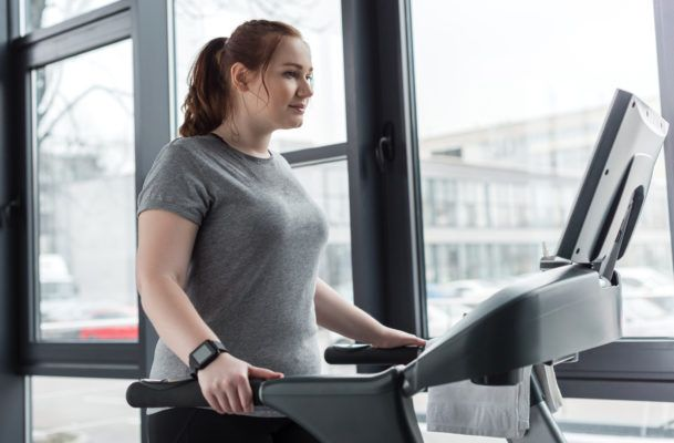 Finally! A trainer tells me if it's okay to hold onto the treadmill rails while I run