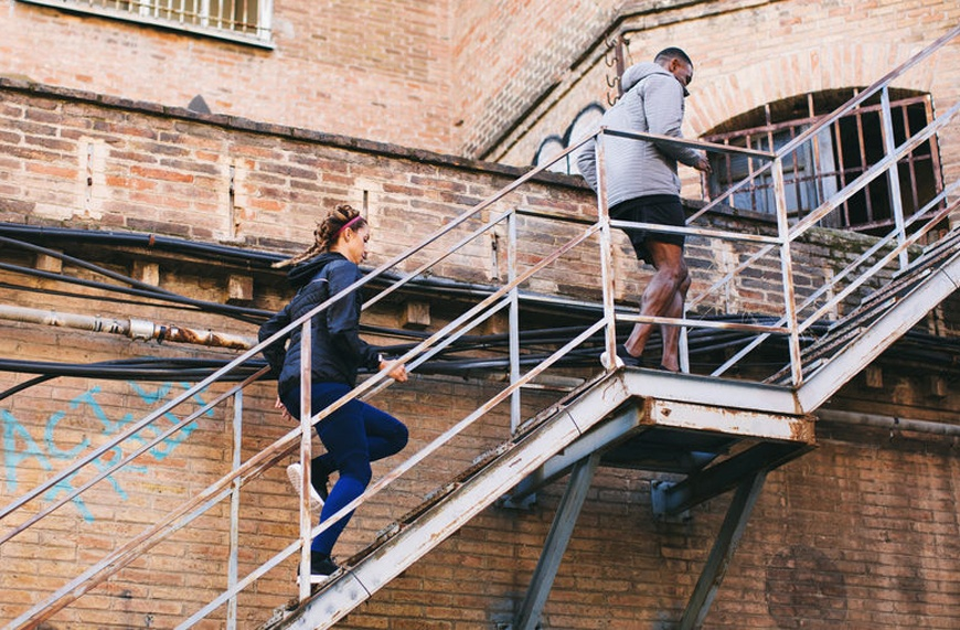 This one-minute stair-climbing test measures whether you're getting enough exercise