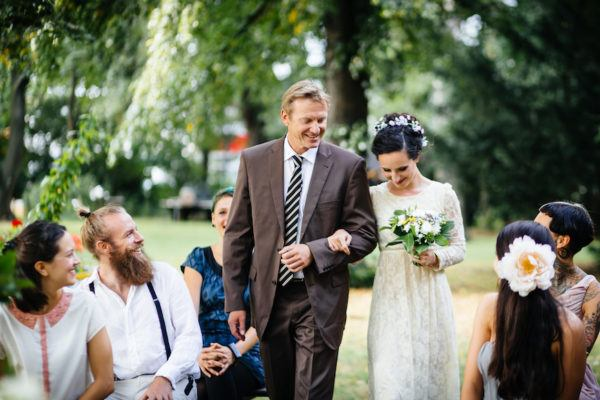 Etiquette Tips for Inviting (or Not!) Coworkers to Your Wedding
