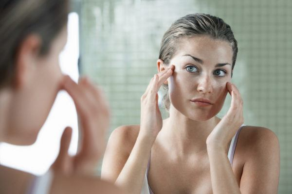 Yes, if you have acne you should be using a moisturizer—here's why