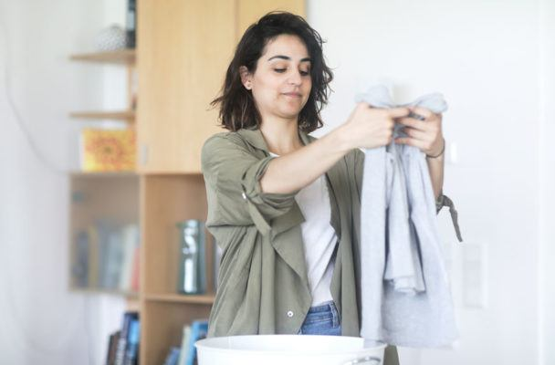 Your laundry detergent is probably causing breakouts, according to a dermatologist