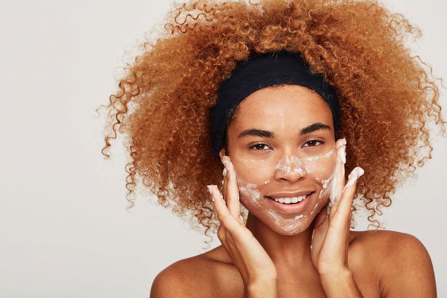 Thumbnail for Derms say the time you wash your face at night actually matters—here's why
