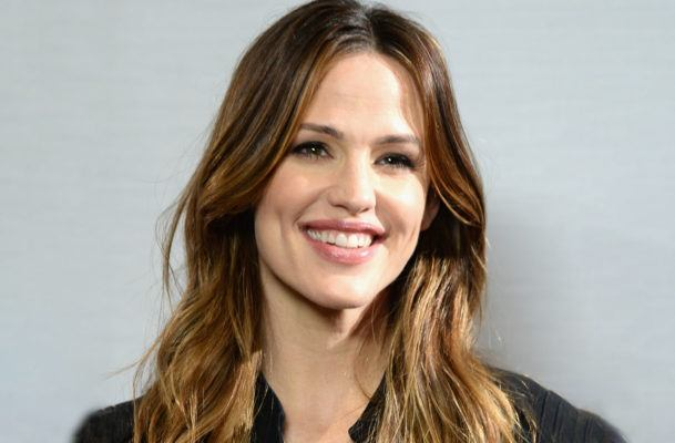 It's official: I'm using Jennifer Garner's favorite garlicky cashew dip on everything