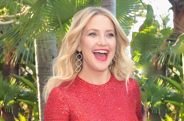 Kate Hudson's next-level push-up is three moves in one