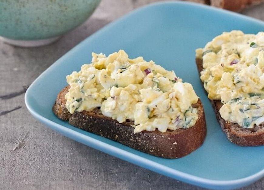 egg salad with basil