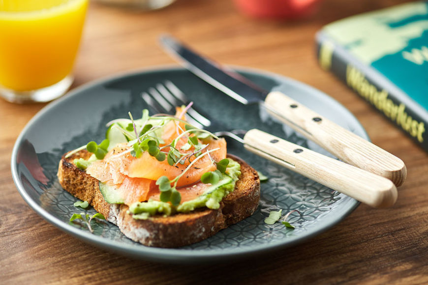 Thumbnail for A Dietitian Shares Her Top Picks for Eating Healthy at Le Pain Quotidien