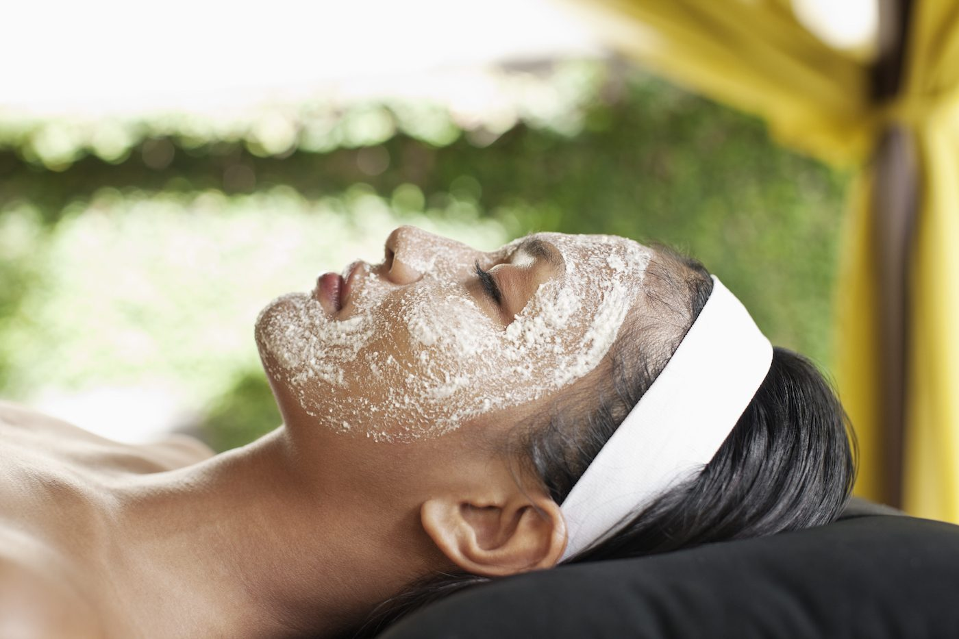 Thumbnail for Your ultimate guide to getting a facial (and navigating those pesky extractions)