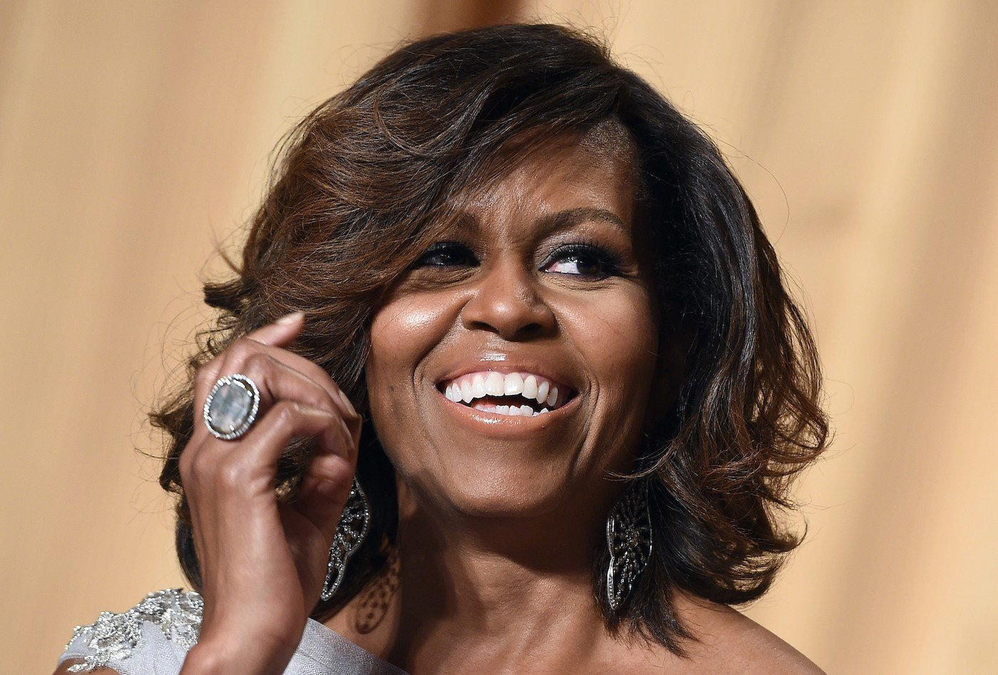 Thumbnail for Michelle Obama's Makeup Artist Answers All of Our Burning Beauty Questions