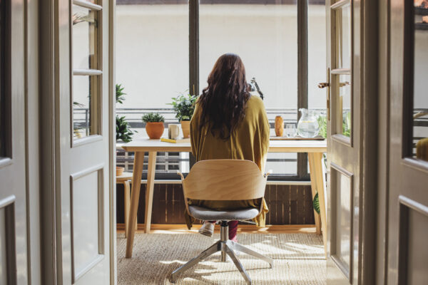 5 Unproductive Thought Patterns With the Power To Hijack Your Brain