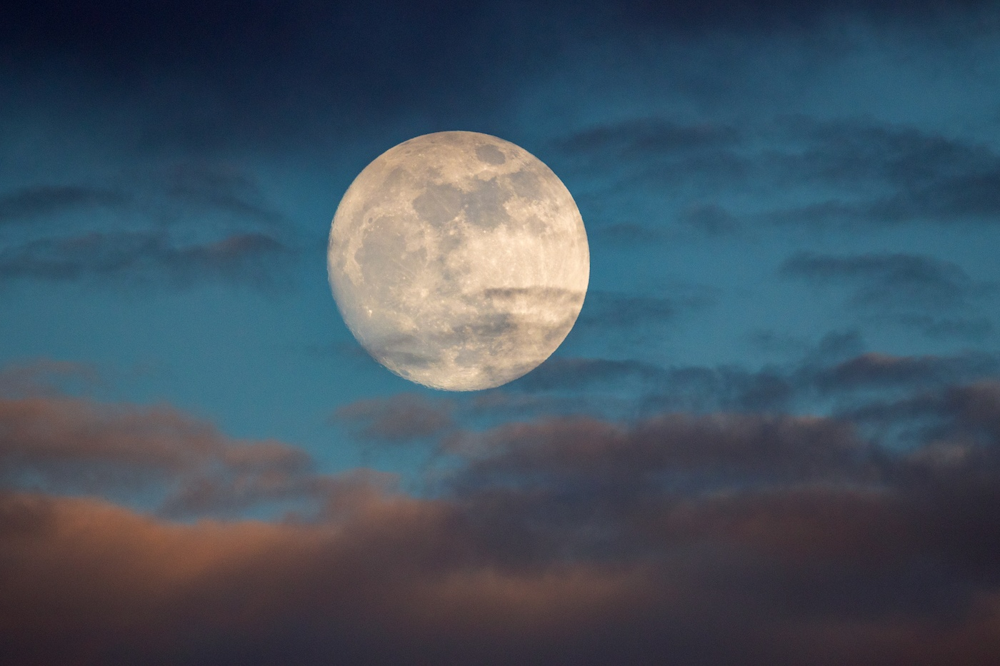 full moon May 2019