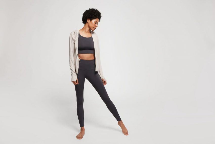 Could Special Activewear Give Me Better Posture? I Put a New Slouch-Correcting Line Through the Motions
