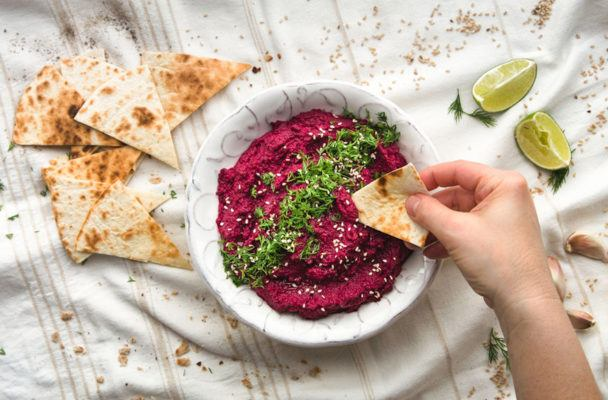 Here's the recipe for Sweetgreen's healthy beet hummus
