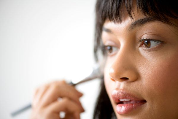 How to make applying makeup a cinch? Brush up on your brush knowledge