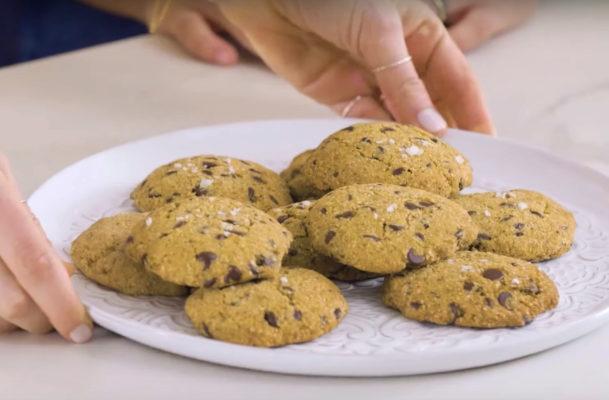 These vegan, GF chocolate chip cookies make daily dessert healthy
