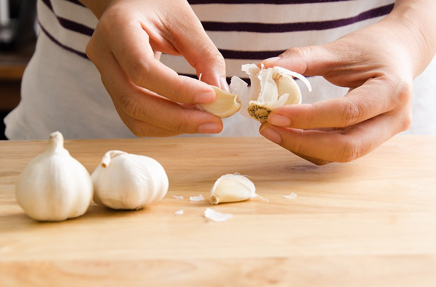 Skip the viral 'hacks' with this top-rated $7 garlic peeler that actually works