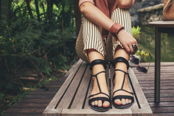 4 important things to watch out for at the nail salon before getting a pedicure