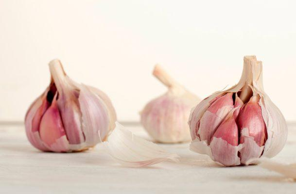 Garlic can actually rev up your sex life, along with 3 other benefits