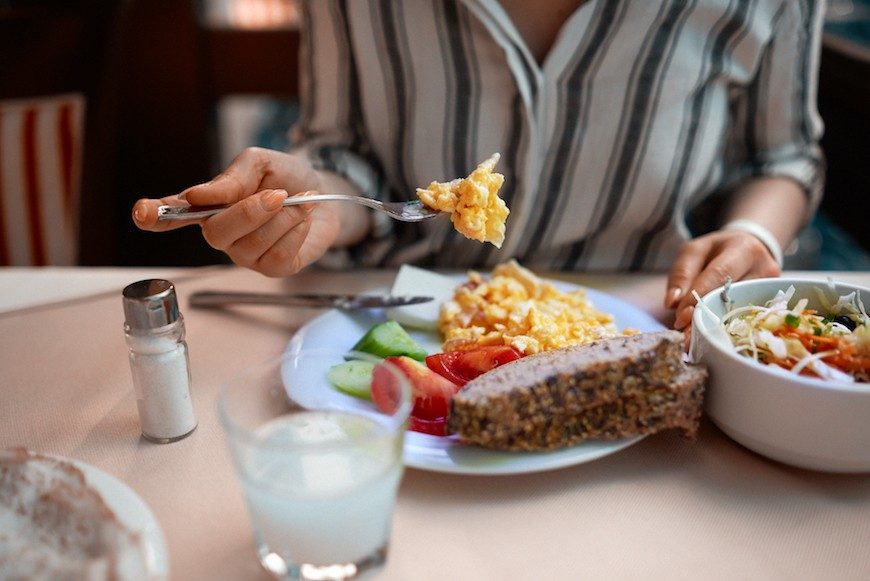 Thumbnail for Here's how to eat healthy at Denny's, according to a registered dietitian