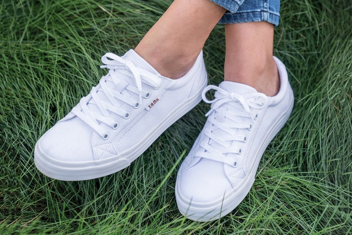 I found the podiatrist-approved sneaker that's actually really cute