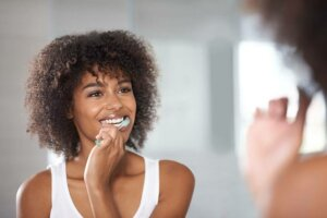 The ballet dancer's workout you can do while you brush your teeth