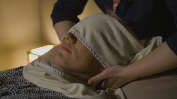 A Wait-Listed Japanese Sleep Massage Promises to Help Us Rest—but Does It Really Work?