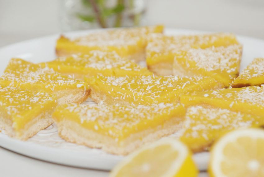 Make the Low-Sugar Lemon Bars of Your Dreams With This Easy Recipe