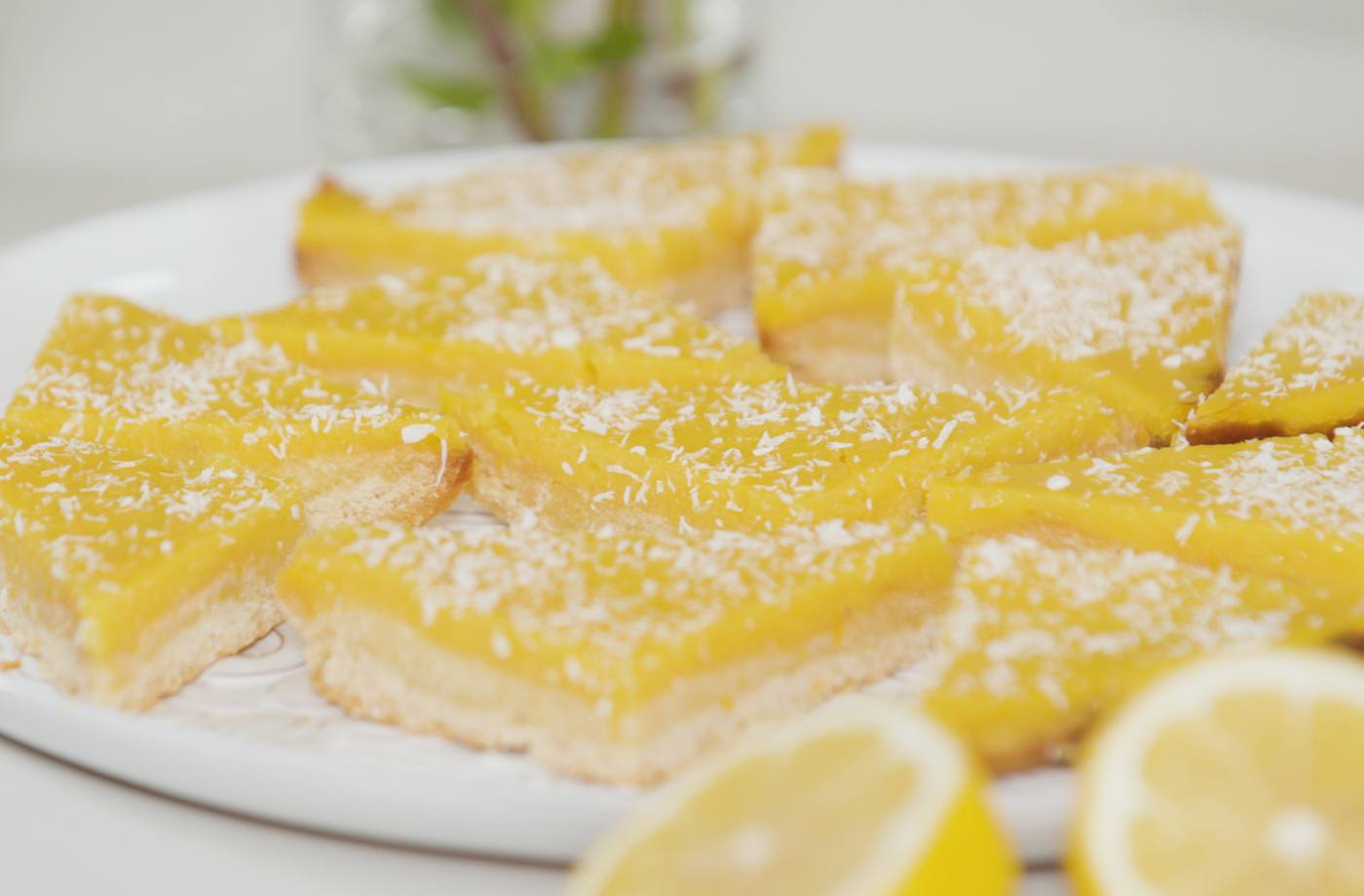How to make healthy lemon bars with no refined sugar or flour | Well+Good