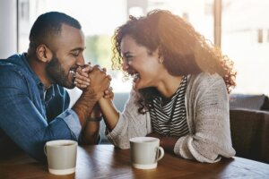 6 signs someone is in love with you, based on body language alone
