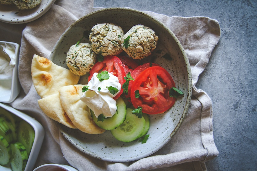 air fryer falafel bowls