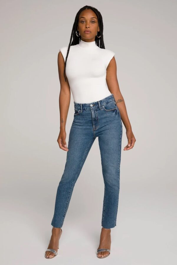 Good American's Good Classic style jeans