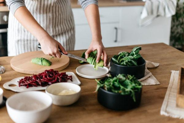 A dietitian's hunger scale makes 'listening to your body' so easy