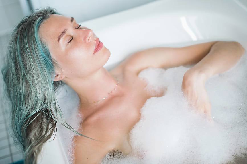 Thumbnail for Homemade Bubble Bath Will Give You a Luxurious Soak *Without* a Side of Skin Irritation