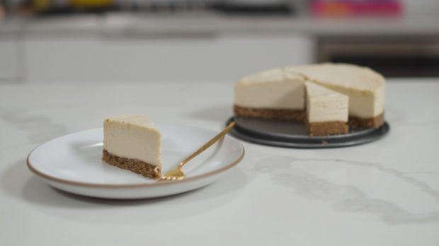 This easy high-fiber cheesecake doesn't even require an oven to make